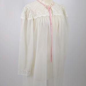 Dream away white robe with white trim/pink edge-L